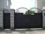 Распашные ворота в Днепропетровске из сплошного листа металла