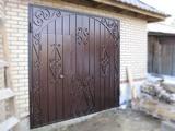 Гаражные ворота в Днепропетровске с элементами ковки