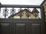 Откатные ворота с полимерной ковкой