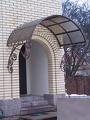 Декорированный поликарбонатный козырек
