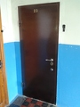Установка входных бронированных дверей с порошковым покрытием