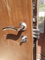 Пример врезки замка в бронированную дверь